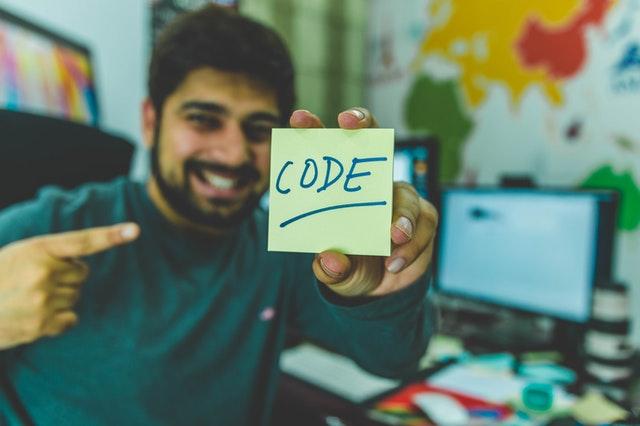 programowanie, przebranżowienie do it, czy warto przejść do it, jak się przebranżowić, dlaczego się przebranżawiać, praca w IT, praca jako programista, programowanie